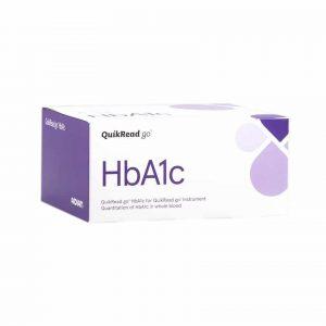 visar förpackning till HbA1c-Test för QuikRead Go Instrument